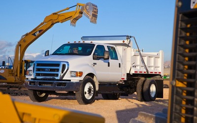 2012-Ford-F-650-Dump-Truck-front-three-quarters-1024x640