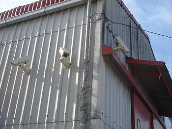 監視カメラ・夜間でもハッキリ映ります♪